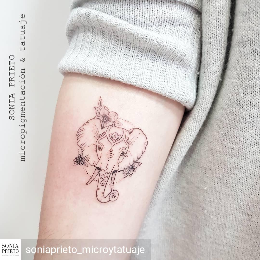 elefante tattoo minimal
